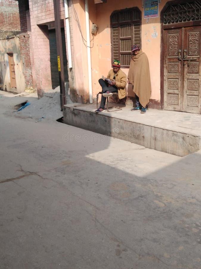 Dies ist eine Gali in indischen Menschen stockfotos
