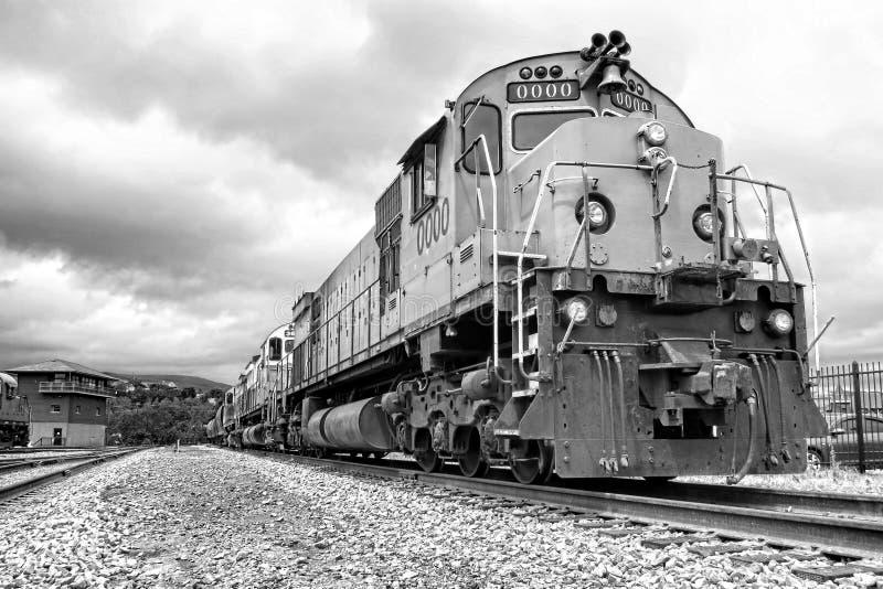 diesel- drev för elmotorfraktlokomotiv royaltyfri foto