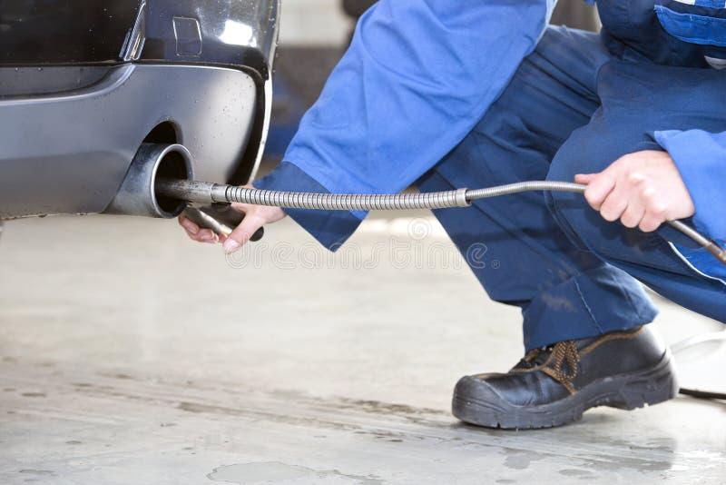 Diesel emissiecontrole stock foto