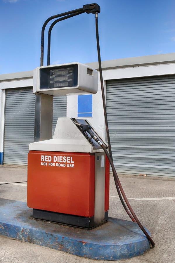 Download Diesel rosso fotografia stock. Immagine di eroghi, refuel - 30826572