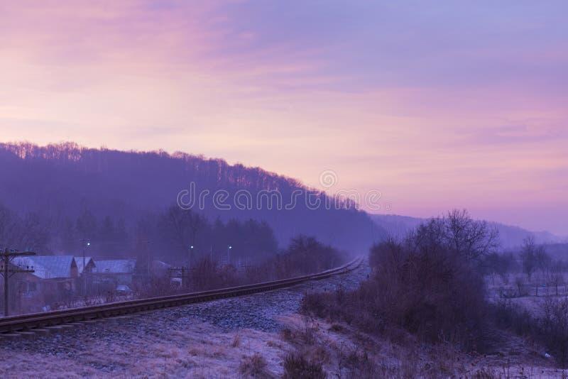 Diesel treinspoor in een kromming royalty-vrije stock afbeelding