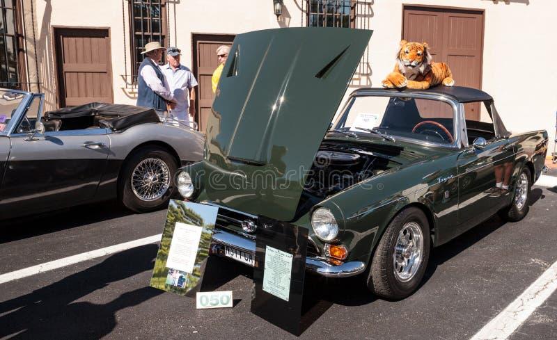 Dieser Gr?n-Sonnenstrahl 1966 Tiger Mark 1A war errichtet an der 32. j?hrlichen Neapel-Depot-Oldtimer-Show das allererste stockfoto