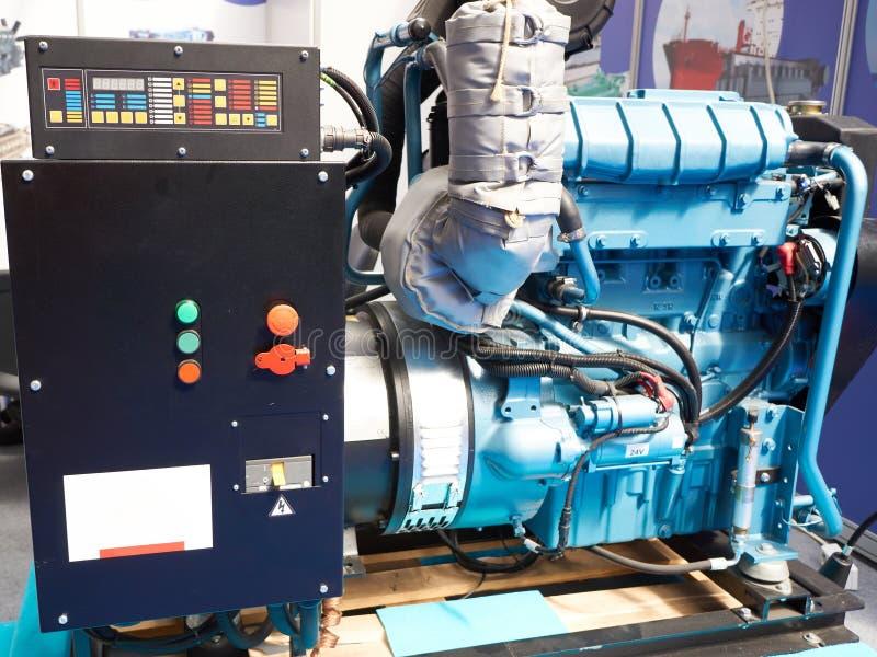 Dieslowski generator z elektronicznym systemem kontrolnym zdjęcie royalty free