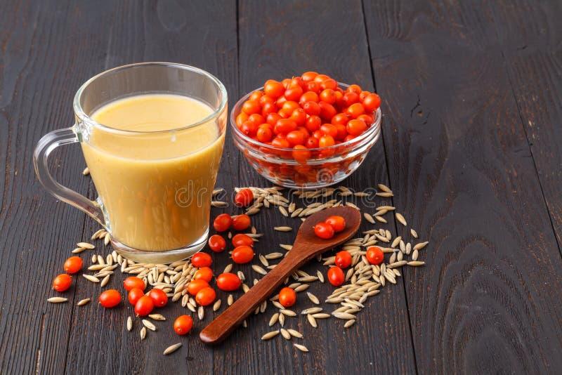 Dieta de la bebida de la vitamina o concepto jugosa sana de la comida del vegano fotografía de archivo