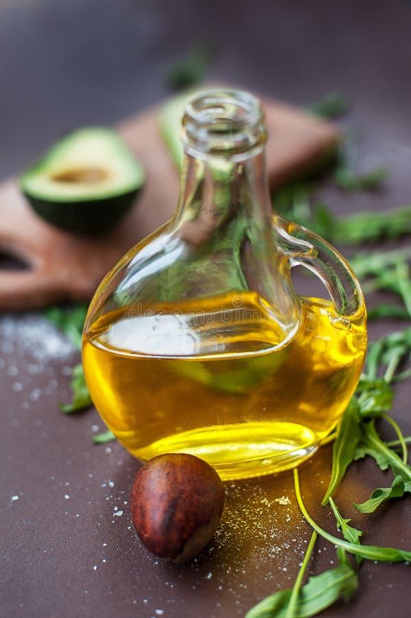 Dieta de la consumición del aguacate del aceite fotos de archivo libres de regalías