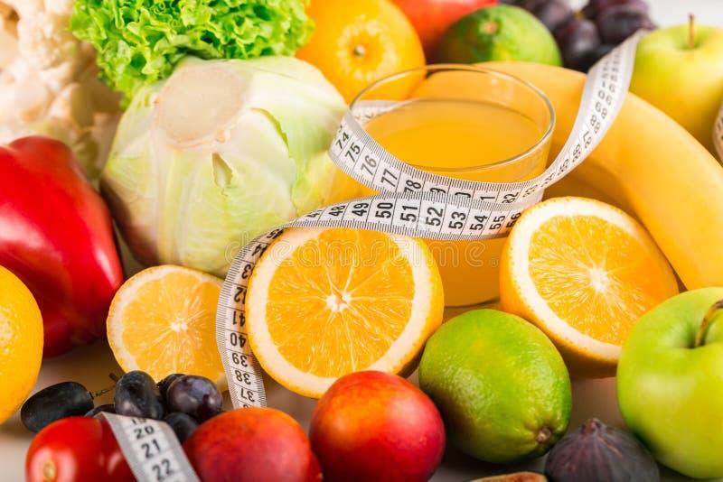 Download Dieta Della Disintossicazione Di Superfood Fotografia Stock - Immagine di vetro, verdure: 117976476