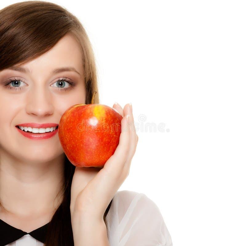 Dieta Mela d'offerta della ragazza frutta stagionale fotografia stock libera da diritti