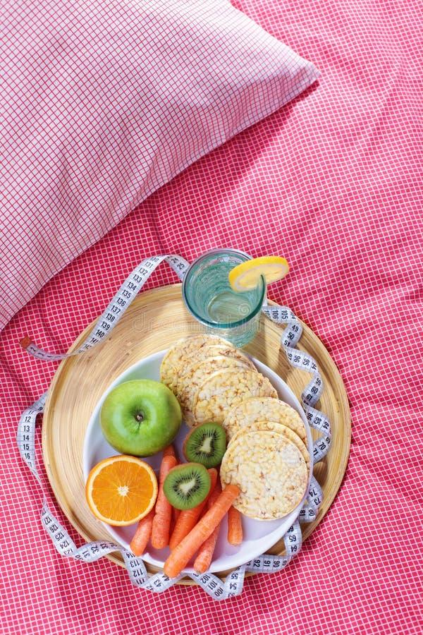 Dieta na cama imagem de stock