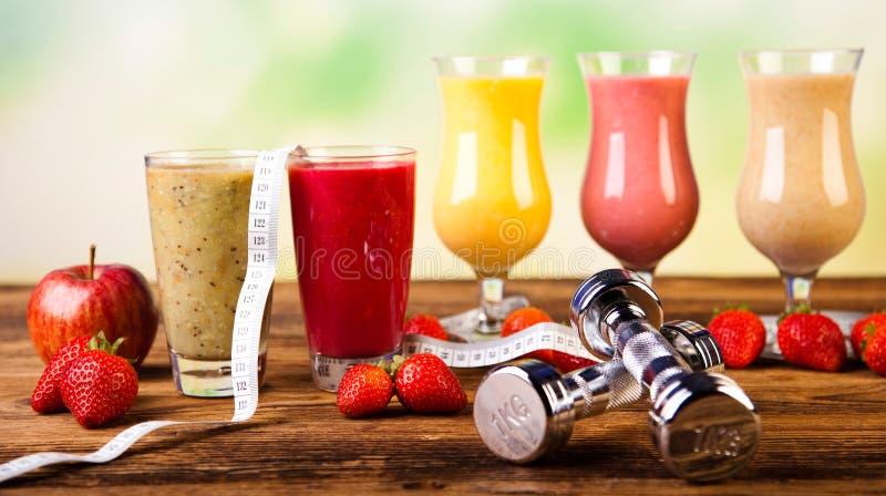 Dieta saudável, agitações da proteína, esporte e aptidão foto de stock