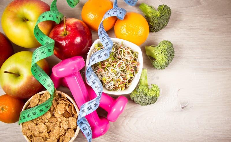Dieta saudável, perda de peso - conceito de comer saudável fotos de stock