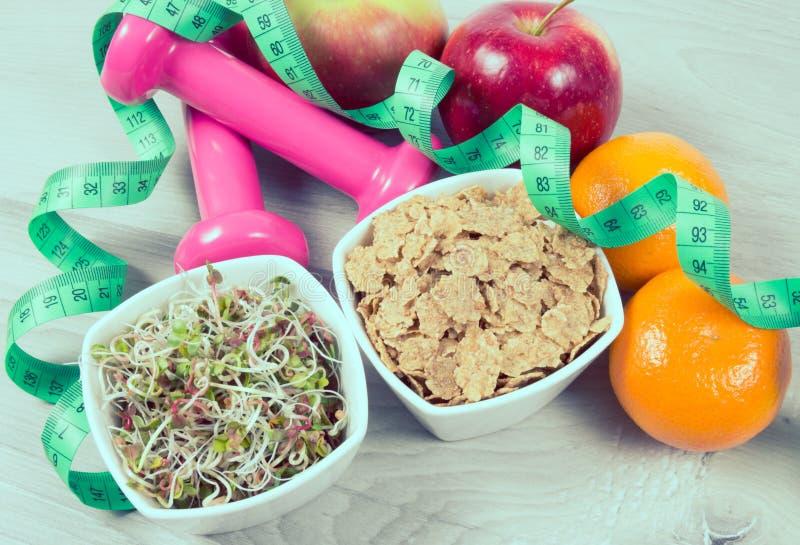 Dieta saudável, perda de peso - conceito de comer saudável imagem de stock royalty free