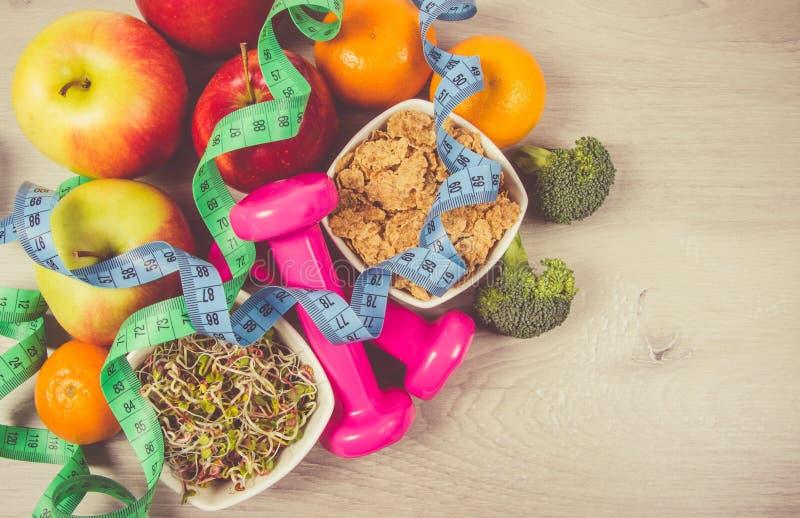 Dieta saudável, perda de peso - conceito de comer saudável foto de stock