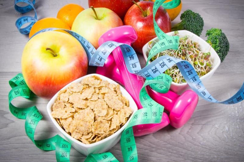 Dieta saudável, perda de peso - conceito de comer saudável fotografia de stock royalty free