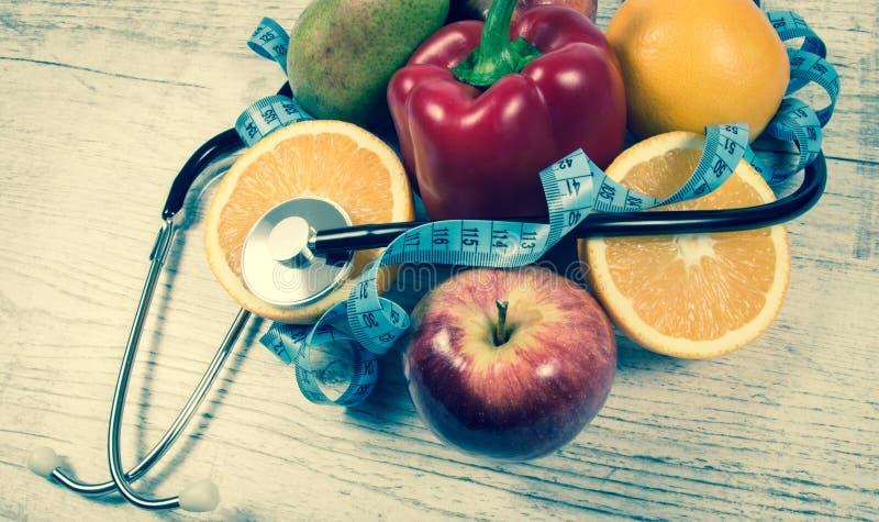 Dieta saudável, perda de peso - conceito de comer saudável imagens de stock