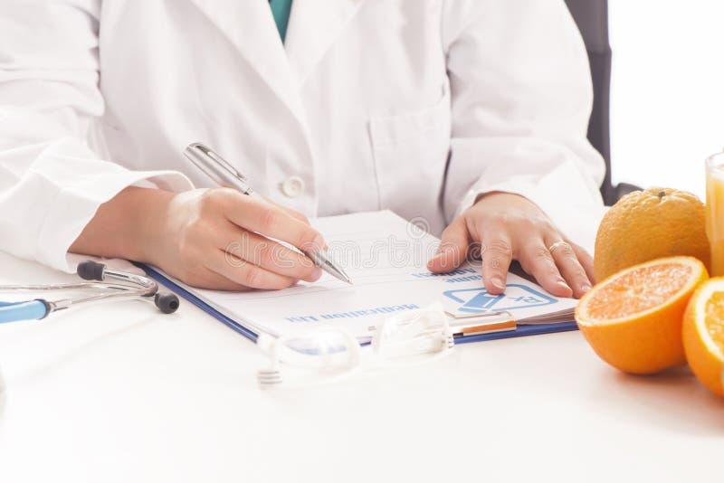 Dietetyczki lekarka obrazy stock