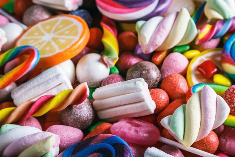 Différentes couleurs de sucrerie, de lucettes, de chewing-gum et de tout autre swee photographie stock libre de droits