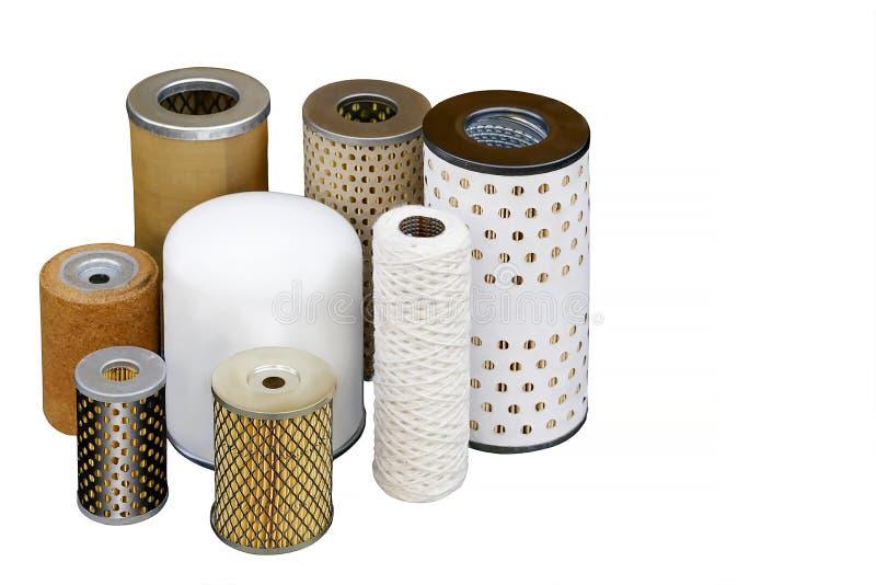 Différents filtres à huile pour la purification fine d'huiles de moteur images libres de droits
