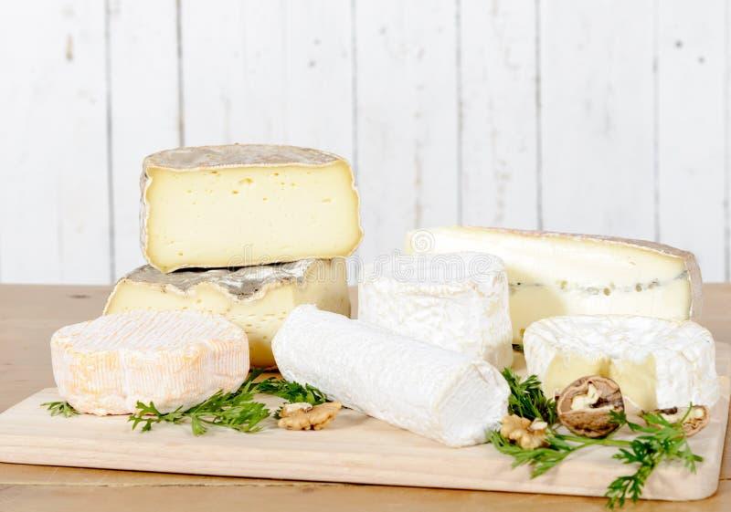 Différents fromages français images stock