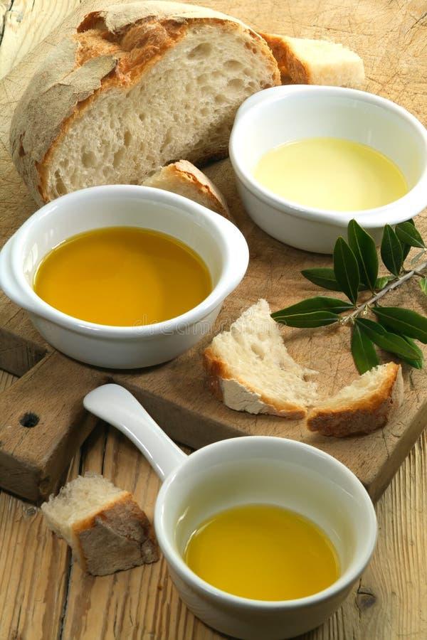 Différents genres d'huile d'olive images libres de droits