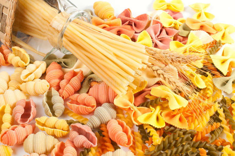 Différents genres de pâtes image stock