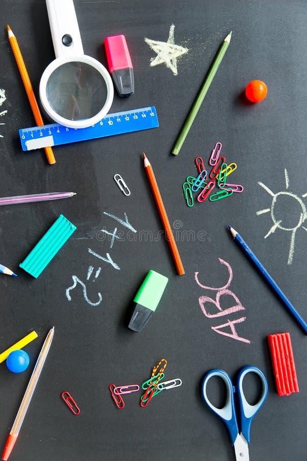 Différents objets d'école image stock