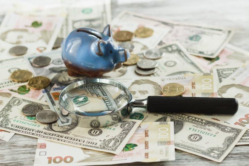 Différents pièces de monnaie et billets de banque du ` s de collecteur image libre de droits