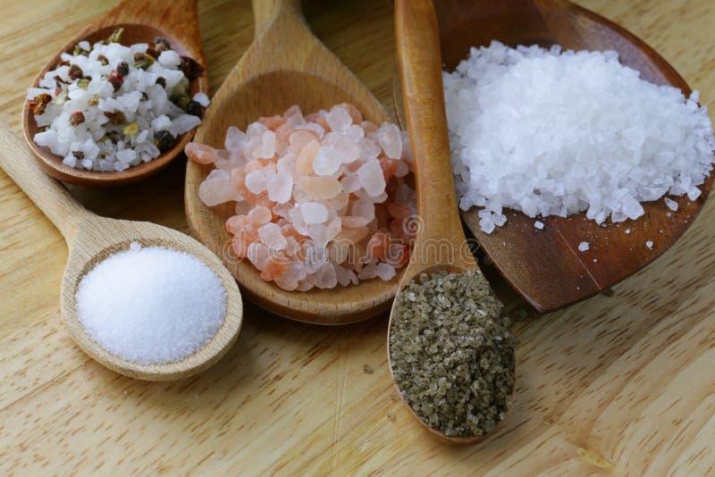Différents types de sel photographie stock