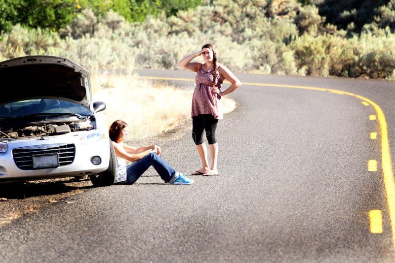 Difficoltà incagliata dell'automobile fotografia stock
