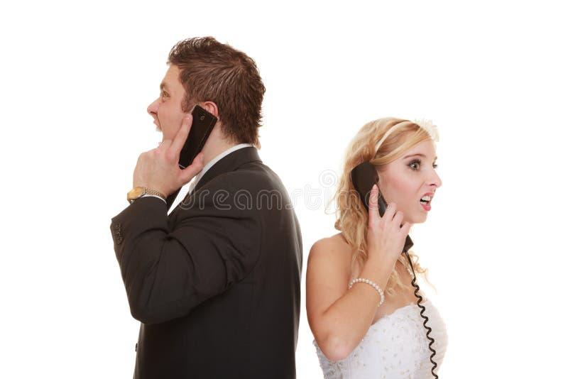 Dificultades de la relación de los pares de la boda imagen de archivo libre de regalías