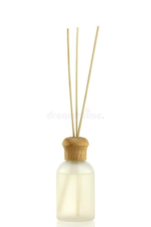 Difusor perfumado do petróleo da alfazema com varas de lingüeta imagens de stock royalty free
