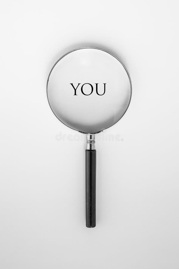 'dig' ord med förstoringsglaset arkivfoton