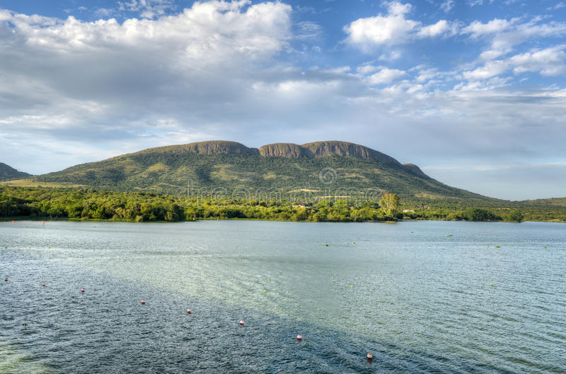 Diga di Hartbeespoort - Sudafrica fotografia stock libera da diritti