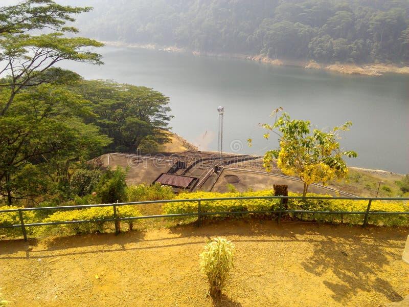 Diga di Kothmale con la Sri Lanka immagini stock libere da diritti