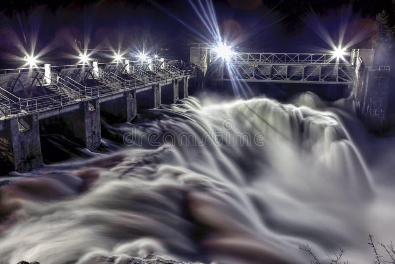 Diga di Post Falls nella sera fotografia stock libera da diritti