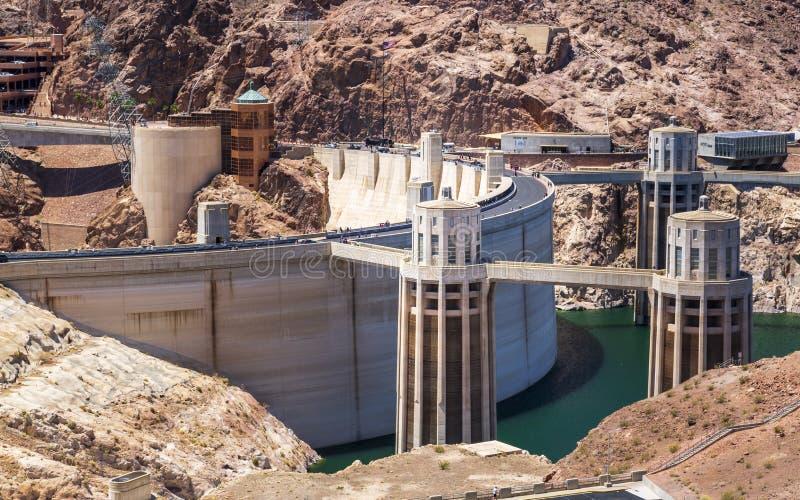 Diga e lago di aspirapolvere, confine dell'Arizona ed il Nevada immagine stock