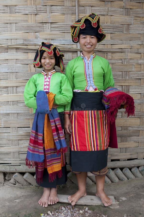 Diga tailandese della donna asiatica, Laos immagine stock