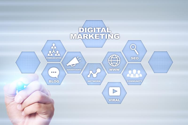 Digitaal marketing technologieconcept Internet Online Zoekmachineoptimalisering SEO SMM reclame royalty-vrije stock afbeelding