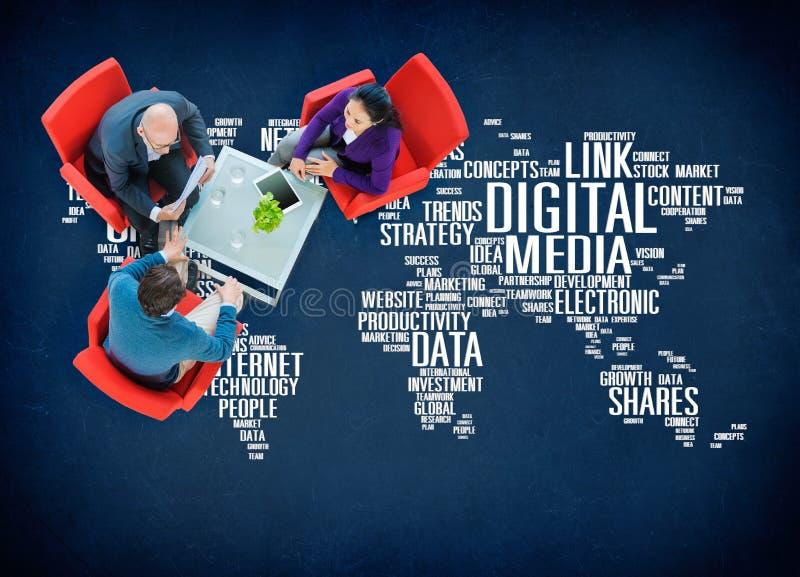 Digitaal Media Online Sociaal Voorzien van een netwerk Communicatie Concept stock afbeeldingen