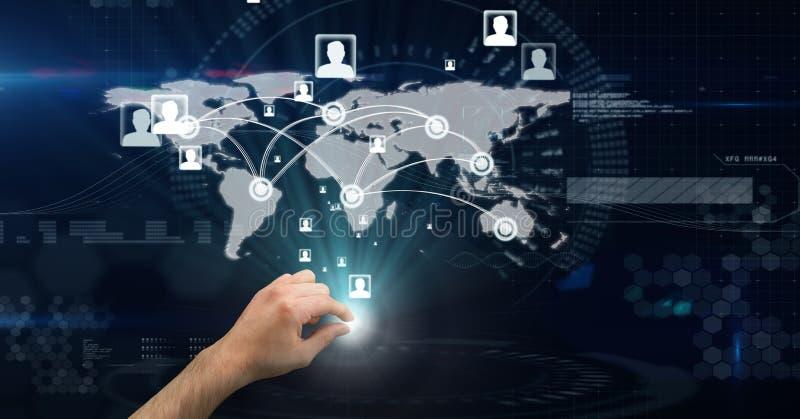 Digitaal samengesteld beeld van hand wat betreft het futuristische scherm met wereldkaart op het stock illustratie