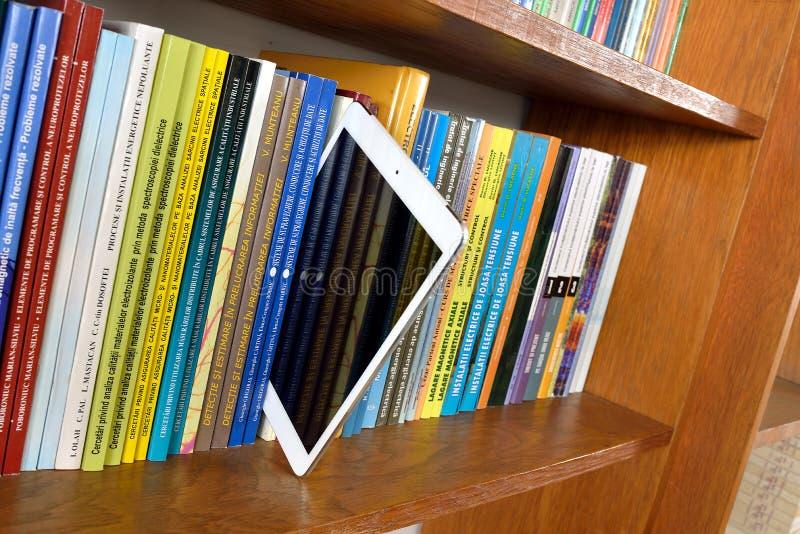 Digitaal tabletboek royalty-vrije stock afbeeldingen