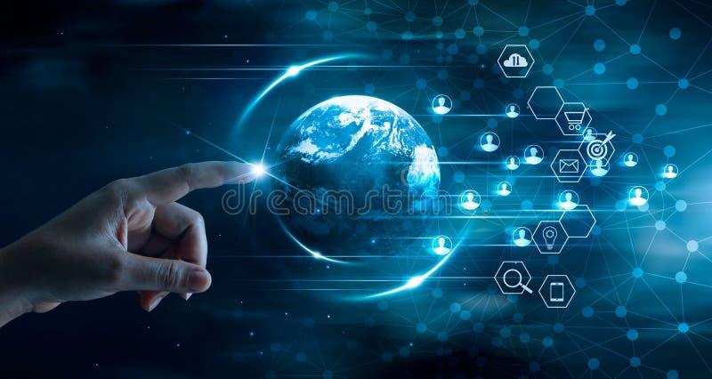 Digital lan?ant le concept sur le march?, technologie d'affaires, paiements mobiles, r?seau bancaire, achats en ligne photographie stock libre de droits
