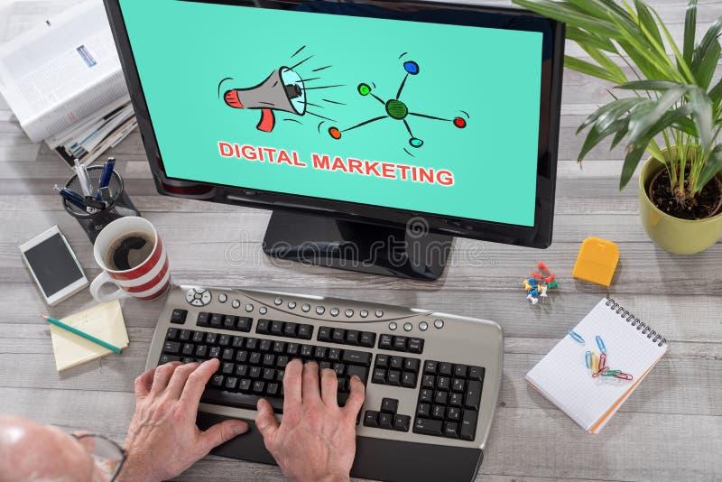 Digital-Marketing-Konzept auf einem Computer lizenzfreies stockfoto