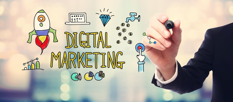 Digital marknadsföringsbegrepp med affärsmannen royaltyfri bild