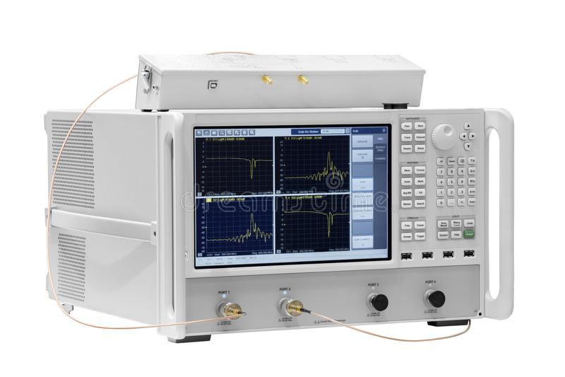 Digital-Oszillograph lokalisiert auf weißem Hintergrund, Energieanalysator 3 phaze lizenzfreie stockbilder