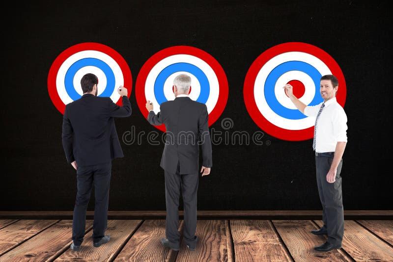 Digital sammansatt bild av affärsfolk som ställer in mål arkivfoton