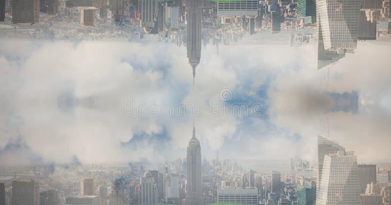 Digital sammansatt bild av den uppochnervända staden mot molnig himmel royaltyfria foton