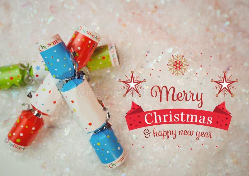 Digital sammansatt bild av glad jul och meddelande för lyckligt nytt år mot julsmällare royaltyfri illustrationer