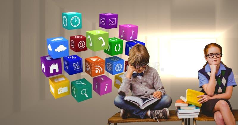 Digital sammansatt bild av studenter som studerar vid applikationsymboler royaltyfri foto