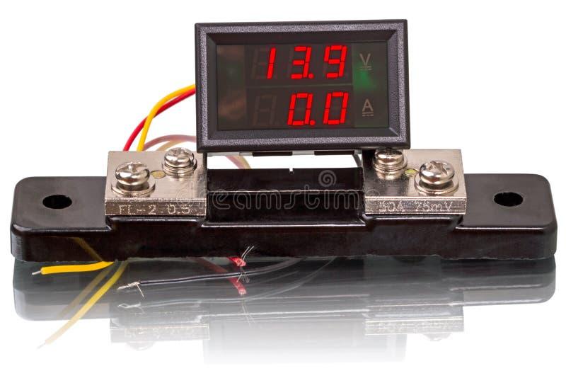 Digital voltmeter och amperemeter arkivfoto
