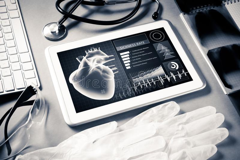 Digitala teknologier i medicin royaltyfri fotografi